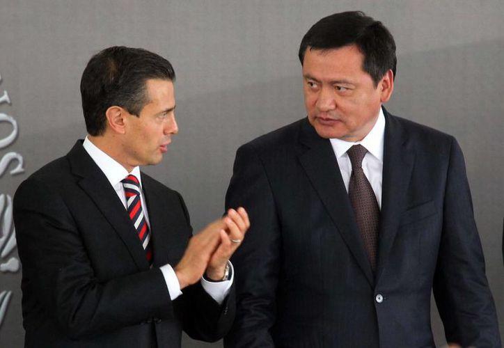 Osorio Chong y el presidente Peña Nieto participaron en el acto por el 198 aniversario de la muerte de José María Morelos y Pavón. (Notimex)