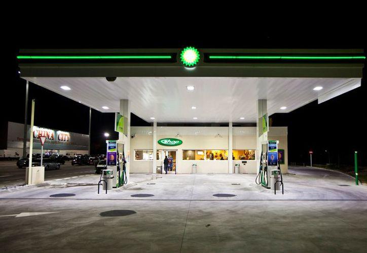 Las estaciones de BP competirán con otras cuatro marcas de distribución de combustible en México. (litalighting.com)