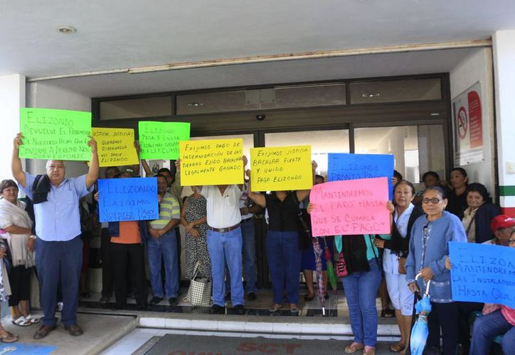 Ejidatarios de la Zona Sur, exigen el pago de 97 millones de pesos que se le adeudan al núcleo agrario.