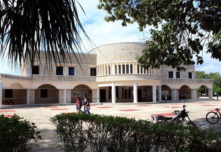 La Universidad de Quintana Roo no ha detectado deserción escolar importante. (Ángel Castilla/SIPSE)