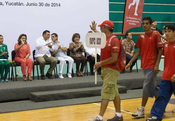 El Gobernador inauguró en el gimnasio polifuncional de IDEY el XXXI Campeonato Nacional de Atletismo para Ciegos y Débiles Visuales. (Cortesía)