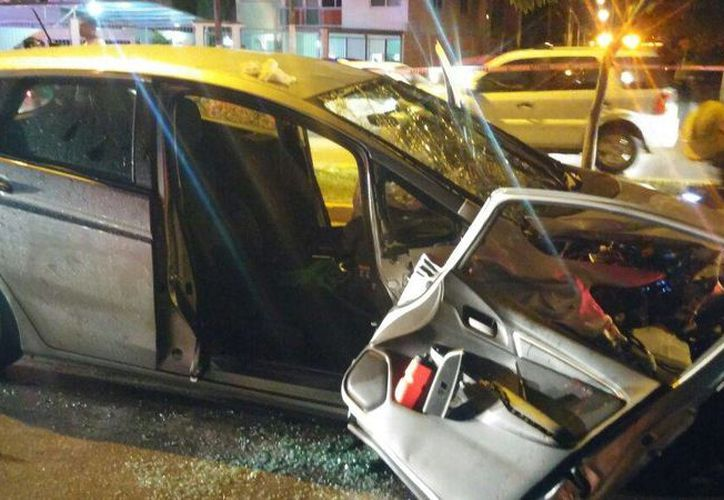 Uno de los vehículos involucrados en el accidente. (Redacción)