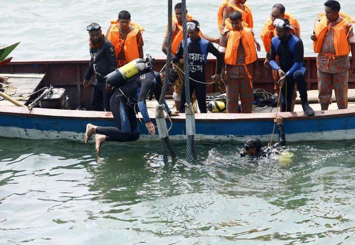 El terrible accidente del ferry en el río Meghna ocurrió el jueves. (EFE)