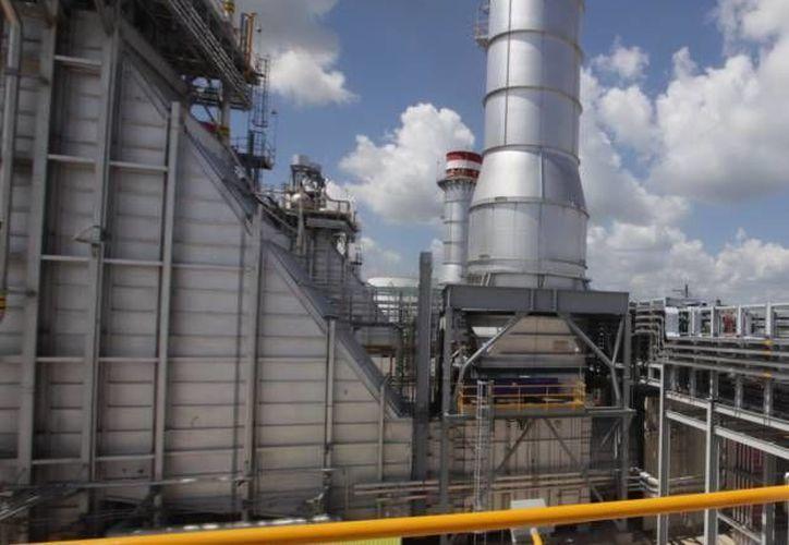 La industria del gas natural en México busca ser impulsada con un convenio entre el Instituto Mexicano del Petróleo y el Centro Nacional de Control del Gas Natural para trabajar en colaboración por cinco años. (Archivo Notimex)