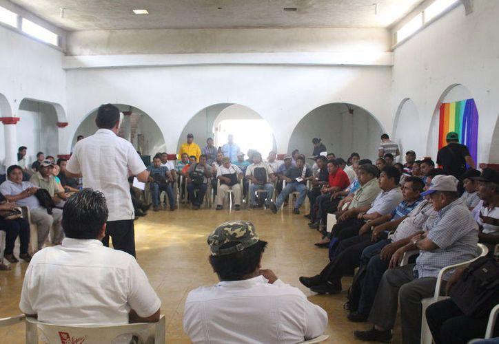 Cada mes realizan las juntas para conocer las necesidades de las localidades. (José Chi/SIPSE)
