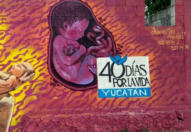 En fechas recientes se realizó en la entidad 40 Días por la Vida, que consiste en orar frente a clínicas abortistas. (Foto: Milenio Novedades)