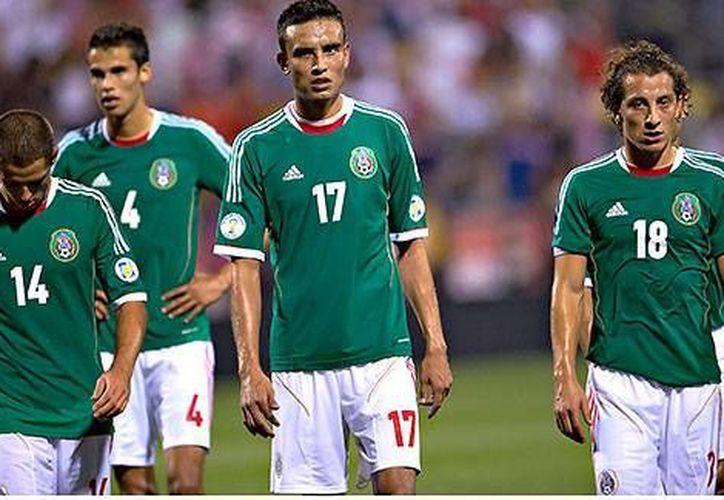 'Chicharito' Hernández (i), Diego Reyes y Andrés Guardado (d) no son los líderes que el Tri requiere. (espndeportes.com)