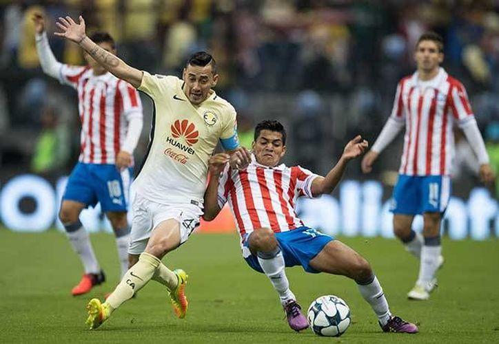 América y Chivas se enfrentarán el próximo 26 de octubre, en busca del pase a la Final de la Copa MX, en su edición Apertura 2016.(Notimex)
