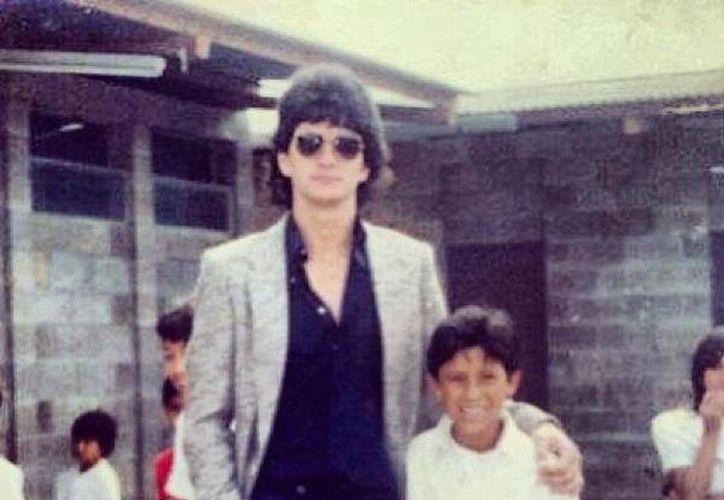 Ricardo Arjona en sus tiempo de maestro. (Facebook/Ricardo Arjona)