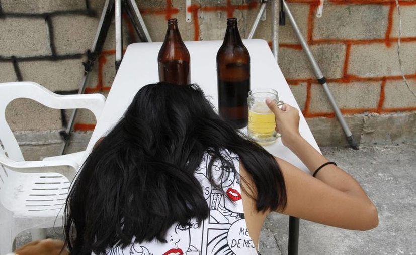 Los problemas familiares también llevan al alcoholismo. (Tomás Álvarez/SIPSE)