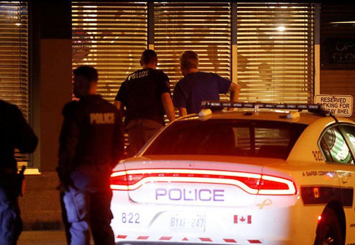 Tras los reportes, la Policía canadiense se ha desplegado en Toronto. (actualidad.rt.com)