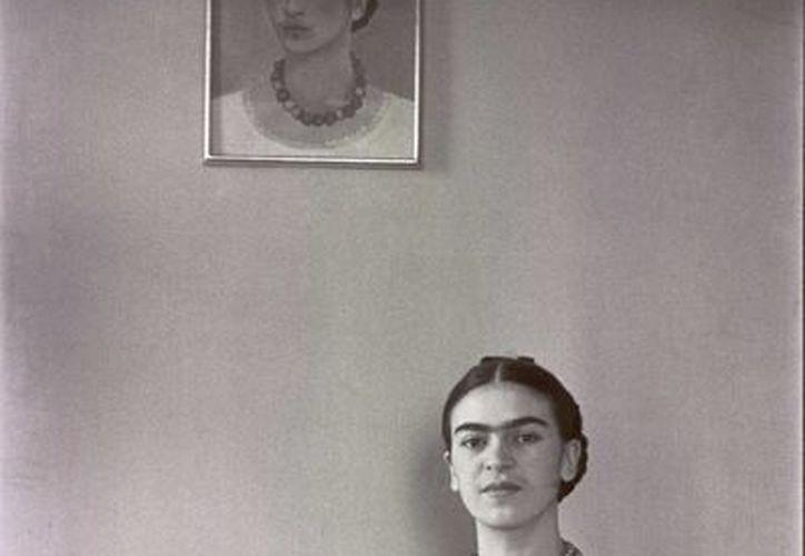 La pintora Frida Kahlo (1907-1954) se ha convertido en un personaje que continúa causando interés tanto en la realización de películas como de obras de teatro, libros, etcétera, porque 'es un icono popular'. (Archivo Notimex)