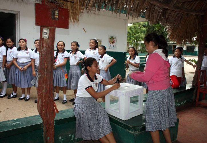 El Iepac hasta hoy ha realizado 83 jornadas electorales en igual número de escuelas secundarias. (Milenio Novedades)