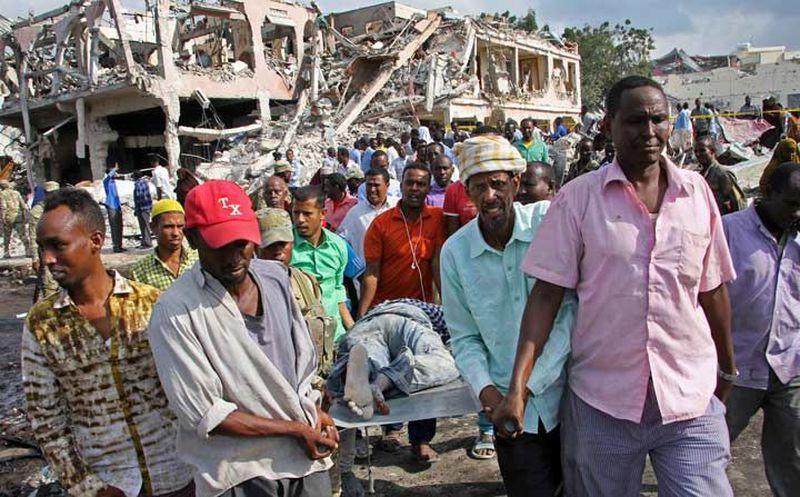 Coche bomba deja 13 muertos, más de 16 heridos — Somalia