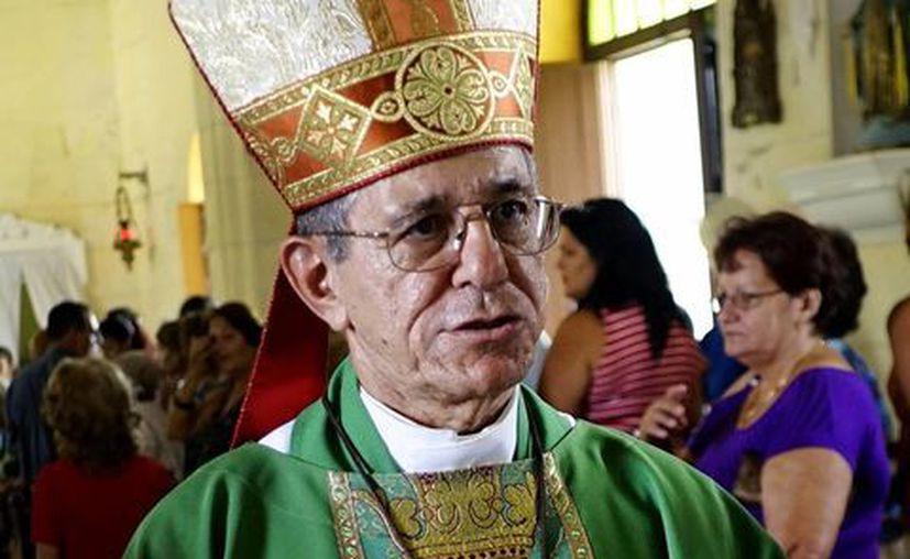Muchos cubanos reconocen en monseñor Juan de la Caridad un hombre diplomático y trabajador. (AP)