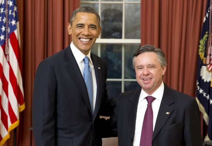 Medina Mora fue recibido por el mandatario en la ceremonia protocolar celebrada esta tarde en la Casa Blanca. (Notimex)