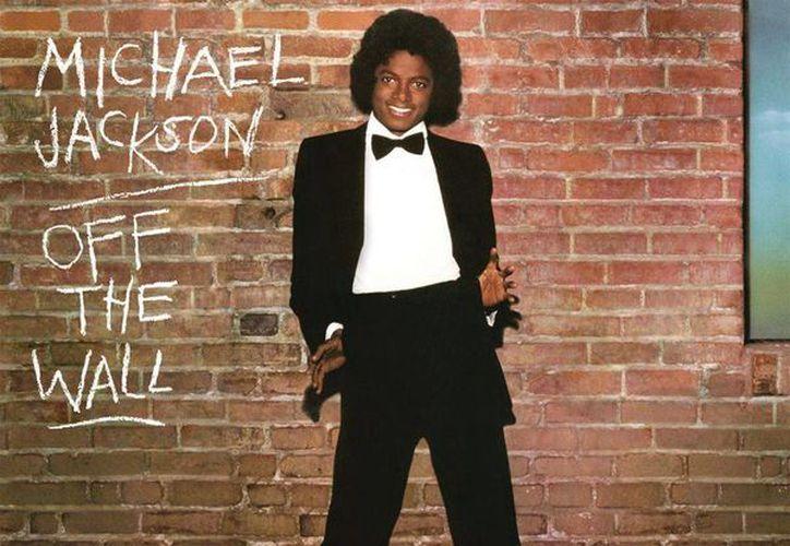 'Off the Wall', álbum de Michael Jackson lanzado en 1979, fue un gran éxito mundial ya que alcanzó los 20 millones de copias vendidas. (Imagen de AP)