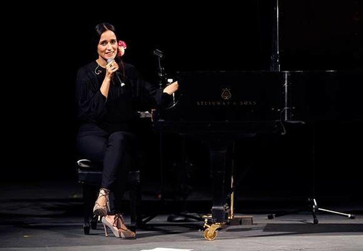 La cantante mexicana Julieta Venegas confesó que su nuevo álbum discográfico llegó en el mejor momento de su vida y de su carrera artística, además comentó que su embarazo fue parte fundamental en su carrera. (AP)