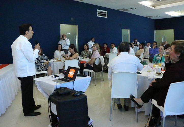 Este martes la agrupación Red Pro Yucatán presentó al nuevo consejo directivo. (José Acosta/ Milenio Novedades)