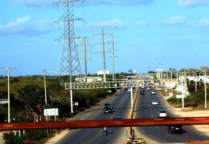 Cada vez hay menos espacios para construir viviendas. Imagen del anillo periférico de Mérida. (Milenio Novedades)