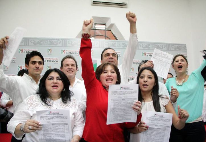 Los aspirantes a legisladores se registraron ayer ante el CDE del PRI. (Milenio Novedades)