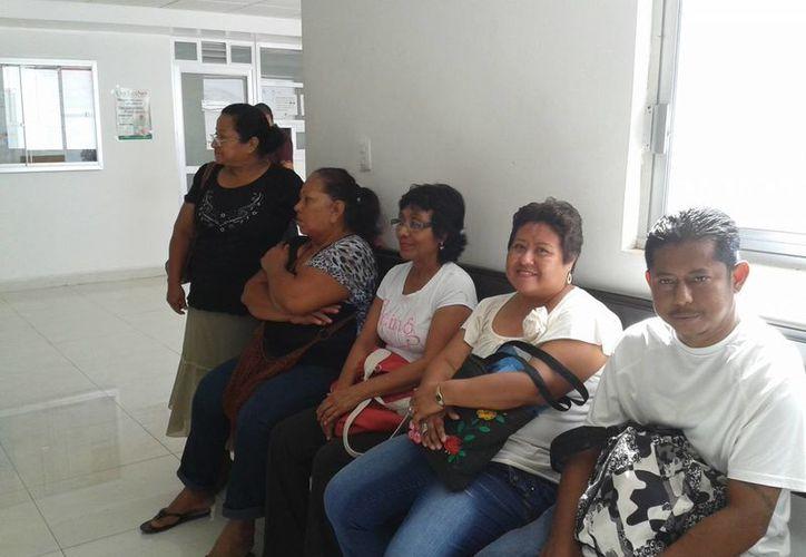 Se comprometen apoyar a los familiares de los pacientes. (Harold Alcocer/SIPSE)