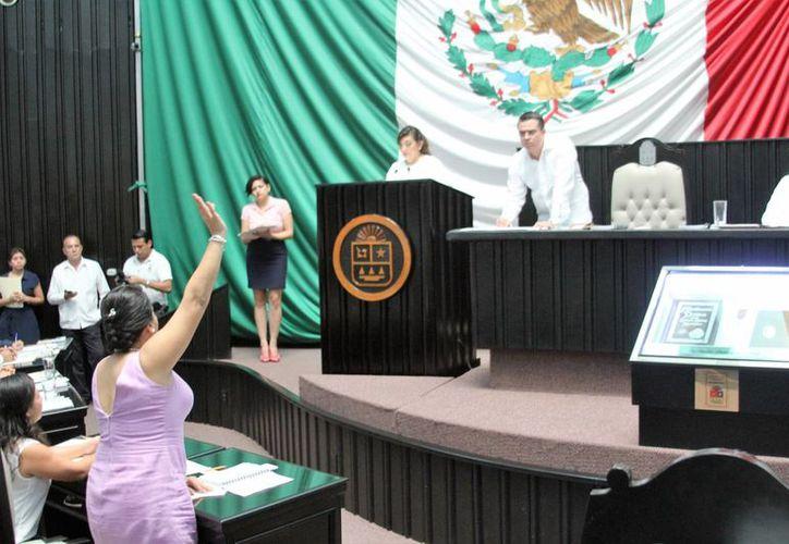 La asociación Ciudadanos por la Transparencia busca la aprobación de  #SinVotoNoHayDinero, en Quintana Roo. (SIPSE)