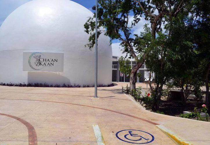 El Planetario de Cozumel proyecta tres películas sobre ciencia. (Redacción/SIPSE)