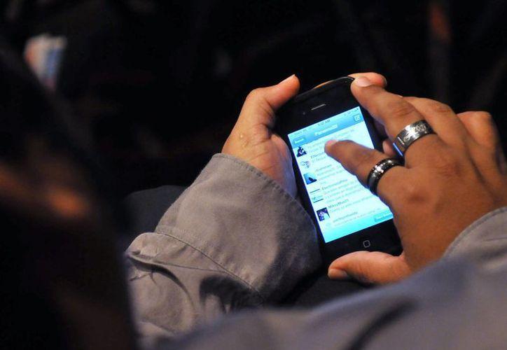Un estudio del BID reveló que el 85.4 por ciento de las entidades latinas tienen una cuenta de Twitter.(Archivo/EFE)