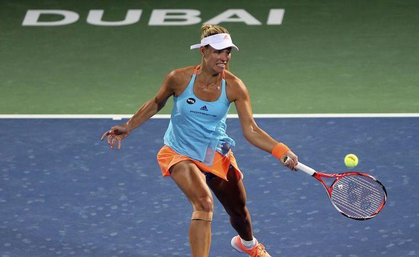 La tenista Angelique Kerber(foto) se enfrentará  en Cuartos de Final a la croata Ana Konjuh, quien sufrió para acceder a la ronda de las ocho mejores. (Kamran Jebreili/AP)