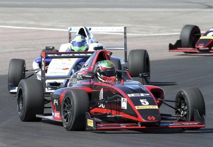 Adecuarán el Autódromo de Cancún para realizar la importante carrera. (Raúl Caballero/SIPSE)