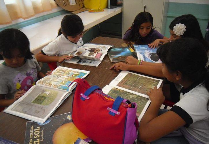 Con el programa se fomenta la lectura en bibliotecas y escuelas de Quintana Roo. (Cortesía/SIPSE)
