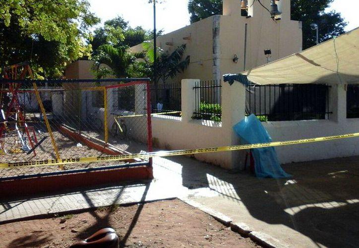 Don Pedro Humberto llegó a trabajar, como todos los domingos, frente a la iglesia de Dzityá; ya no regresó a casa: murió ahí, sentado frente al templo católico. (Martín González)