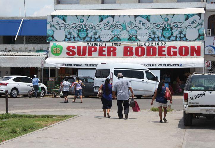 En el sector terciario o de servicios, Quintana Roo se ubicó en el segundo sitio con 6.9%; el primer lugar lo ocupó Colima con 7.4%. (Joel Zamora/SIPSE)
