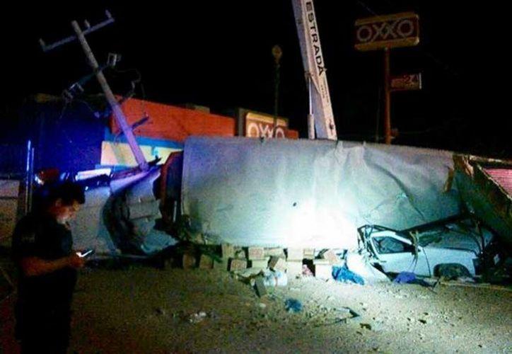 El accidente dejó seis personas muertas y tres gravemente heridas. (Excélsior)