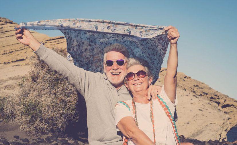 Un estudio reciente revela que tomar vacaciones largas contribuye a vivir más años. (Getty Images)