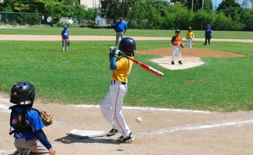La violación del reglamento perjudica a los niños de la liga de béisbol. (Redacción/SIPSE)