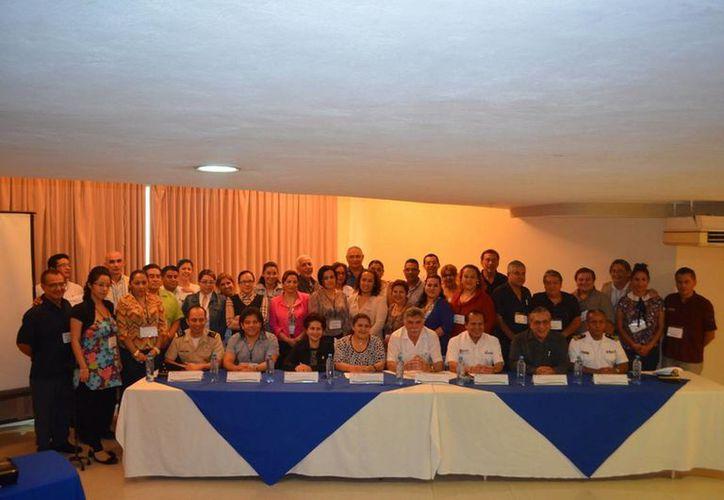En el evento participaron 75 profesionistas de la salud pública. (Redacción/SIPSE)