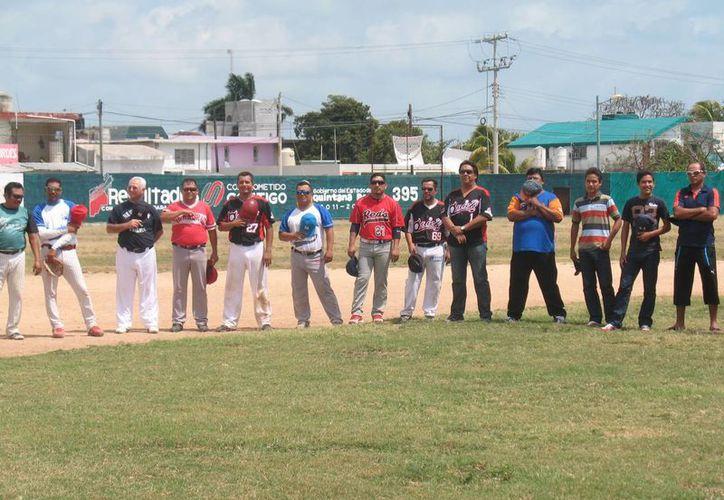 Inauguración de la nueva temporada de la liga municipal de la primera y segunda fuerza de béisbol. (Raúl Caballero/SIPSE)