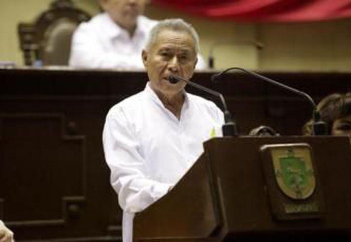 El maestro mayahablante Valerio Canché Yah recibió el reconocimiento el año pasado. (Milenio Novedades)