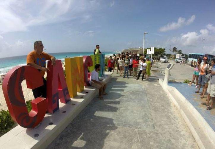 Cuatro de cada 10 turistas extranjeros que llegan a México, visitan algún destino de Quintana Roo. (Archivo/SIPSE)