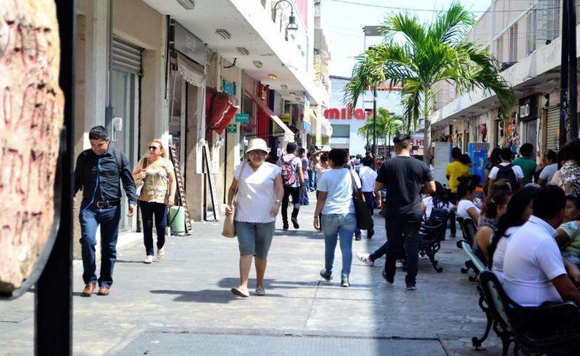 Para hoy y mañana la Conagua prevé para Yucatán calor, con un cielo parcialmente nublado con posibilidades de lloviznas de 0.1 a 5 mm. (Daniel Sandoval/SIPSE)
