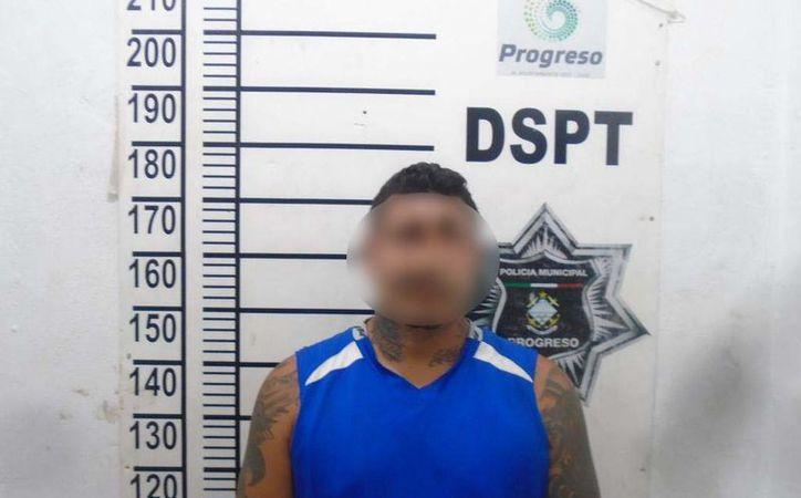 El sujeto tenía consigo más de 100 dosis de cocaína. (SIPSE)