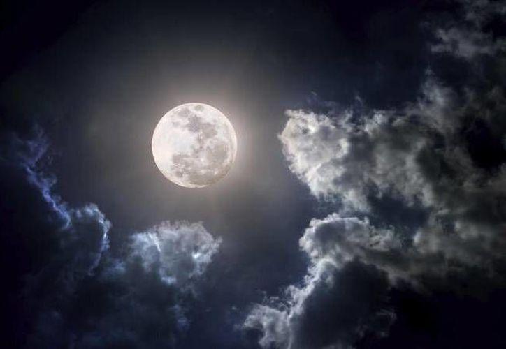Hoy 22 de febrero, la luna estará en su fase llena y se podrá apreciar a simple vista en Cancún. (Contexto/Internet)