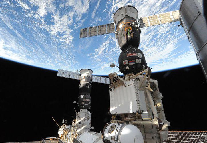 El contrato de transporte de ida y regreso de astronautas concluirá en abril del próximo año. (Internet)