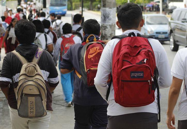 Más de 3 mil alumnos de secundaria no tendrán espacio para escuelas de Bachillerato. (Foto: SIPSE)