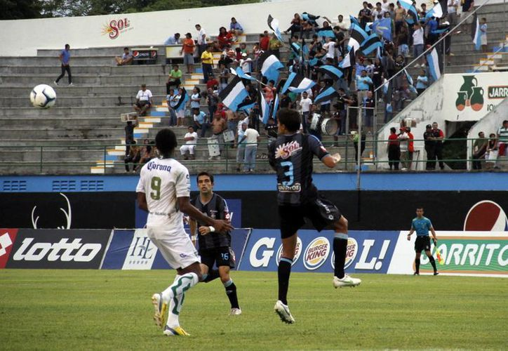 Los jugadores yucatecos fabricaron las mejores jugadas de peligro durante el partido. (Milenio Novedades)