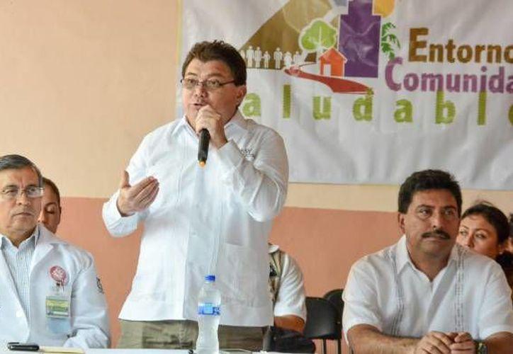 El secretario de Salud de Yucatán, Jorge Eduardo Mendoza Mézquita, entregó el premio Rey Pacal al Centro de Salud Urbano de Mérida. (SIPSE/Foto de archivo)