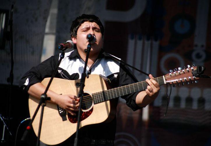 Juan Cirerol, quien formará parte del cartel del Vive Latino 2013, señaló que para él los corridos nunca han sido malos. (Agencia Reforma)