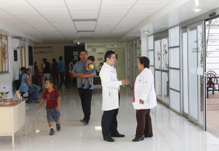 El diario Oficial de la Federación dio a conocer un listado de 146 intervenciones quirúrgicas que pueden realizar. (Harold Alcocer/SIPSE)